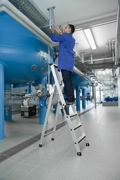 Aluminium-Stufen-Stehleiter einseitig begehbar mit relax-step®